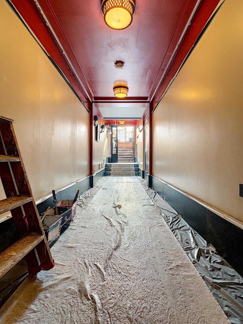 Couloir-terrasse-avant-pendant.jpg